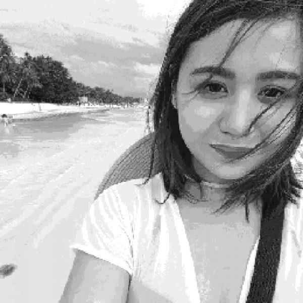 mia on the beach